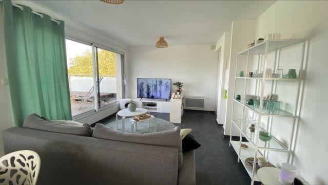 Appartement T2    avec grande terrasse   / n° 6143