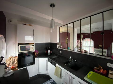 Appartement situé dans  résidence sécurisée avec parking extérieur/N° 6179
