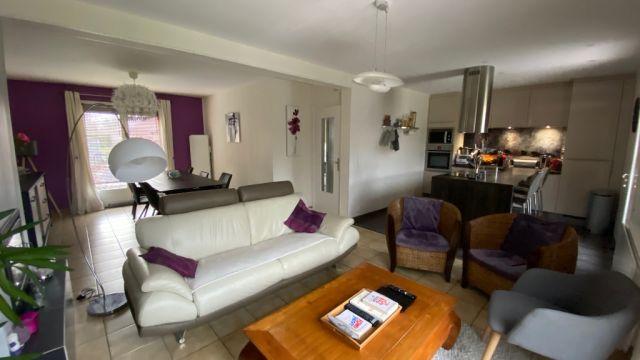 Maison individuelle rénovée 3 chambres + bureau  - jardin - garage / n°6206