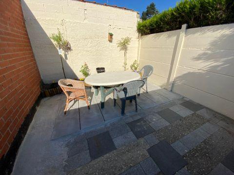 Maison plain-pied avec extérieur coeur de village SANTES / n°6205
