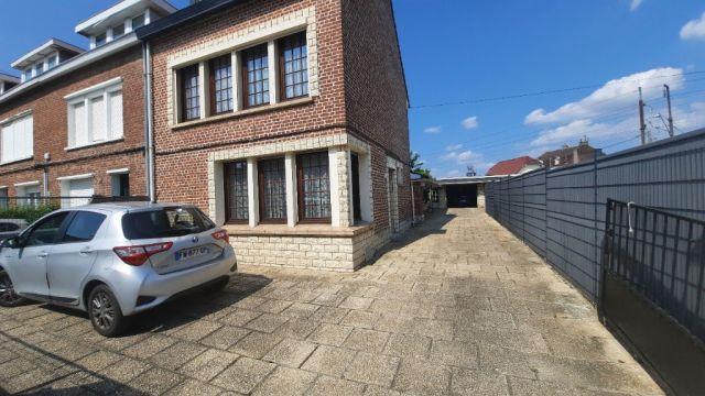 Semi individuelle avec 3 garages + parking à Haubourdin / ref 6285